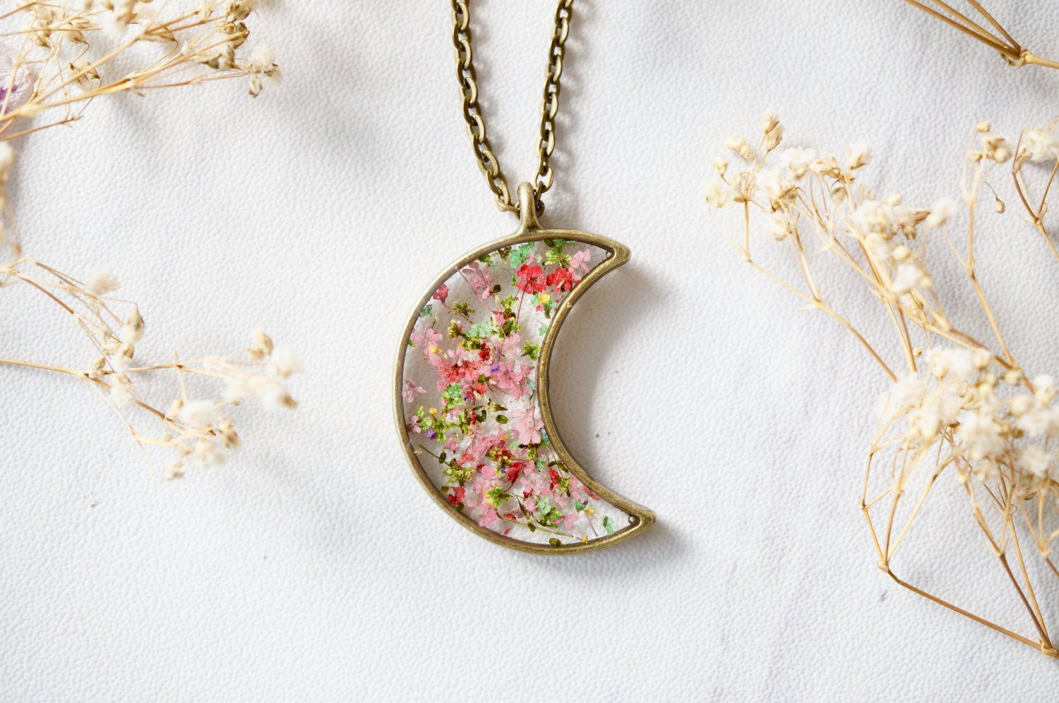 Real dried flower resin necklace