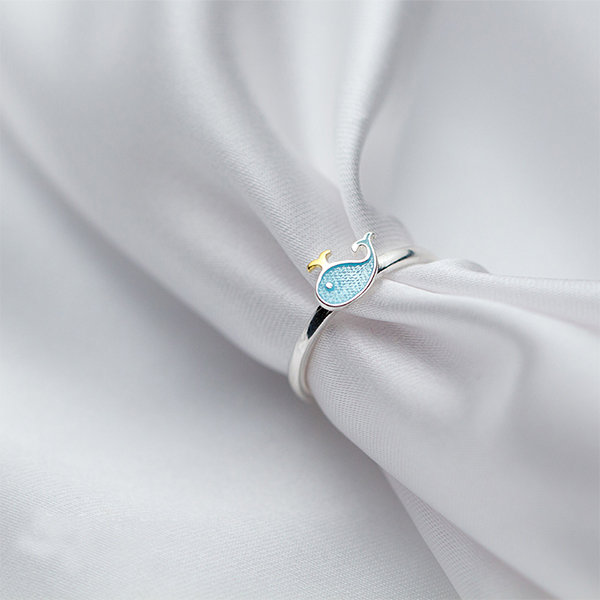 Cute Whale Ring