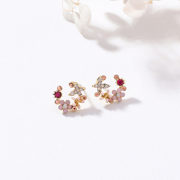 Korean Flower Crystal Earrings From Apollo Box