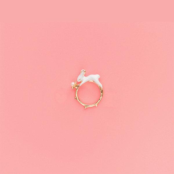 Darling Enamel Rabbit Pearl Ring