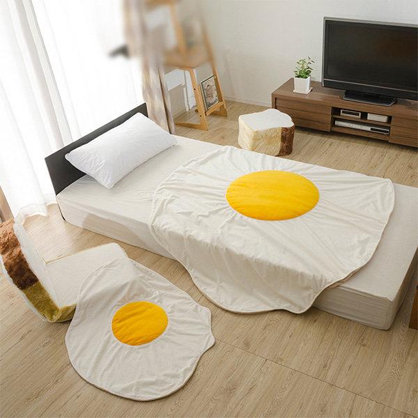 Fried Egg Blanket