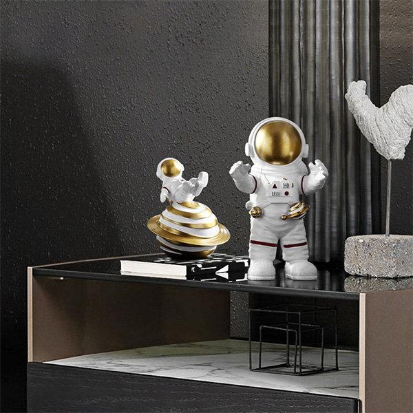 Astronaut Decorative Figures
