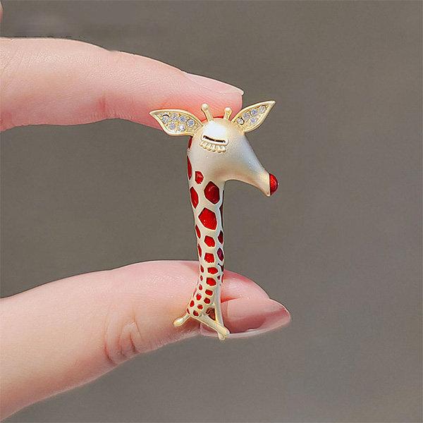 Sparkling Giraffe Inspired Brooch